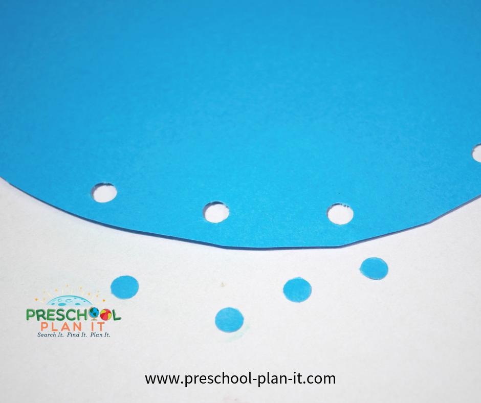 Opposites Theme for Preschool Sand Table Idea