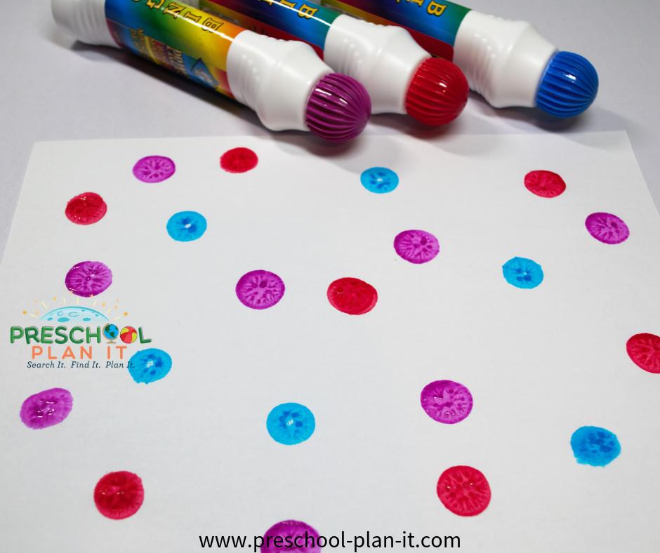 Easel Bingo Daubber Art for a Preschool Weather Theme